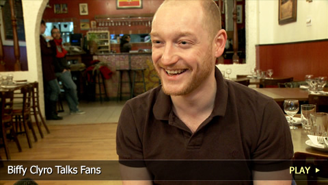 Biffy Clyro Talks Fans
