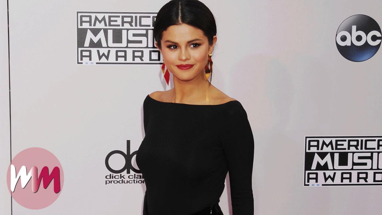 0b6ade18fc1 Top 10 Selena Gomez Red Carpet Looks